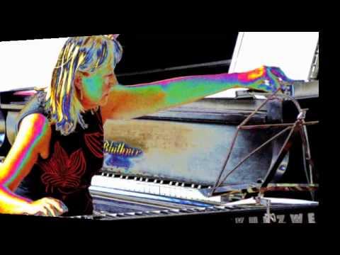Sudden Meeting Etprim online metal music video by SUSANNA LINDEBORG