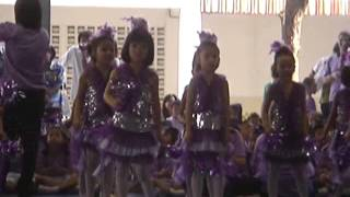 preview picture of video 'น้องหงส์หยก_เต้นเชียร์ลีดเดอร์ ANUBARN CHONBURI 2010'