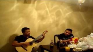 Erik y Alfonso cantando un sentimiento de amor de angeles del infierno.mp4