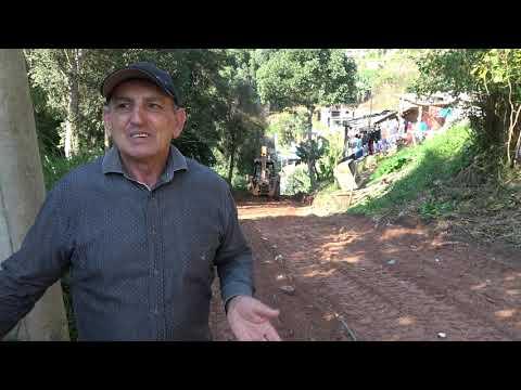 Prefeito Ayres Scorsatto faz Manutenção na Rua Mais Desgraçada na Favela do Justinos Morro do Kiabo Rua Narcisa de Moraes