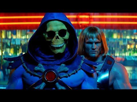 《太空超人》真人版太空超人與骷髏王在酒吧裡同台共舞?!