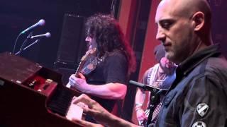 Vinnie Moore live at the Dean Guitars NAMM JAM 2012!