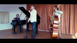 Fabrice Moyon  Méttys est né d'une rencontre entre Fabrice Moyon auteur de chansons françaises d