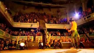 Slash & Myles Kennedy - Paradise City [Made in Stoke]