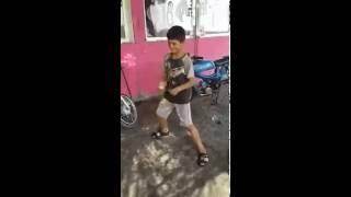 hunharca patlayan adanali çocuk