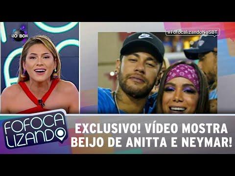 Vídeo mostra beijo de Anitta e Neymar na Sapucaí!