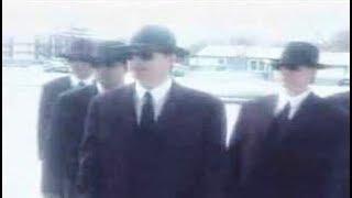 5 Mysterious Men In Black Sightings & Encounters