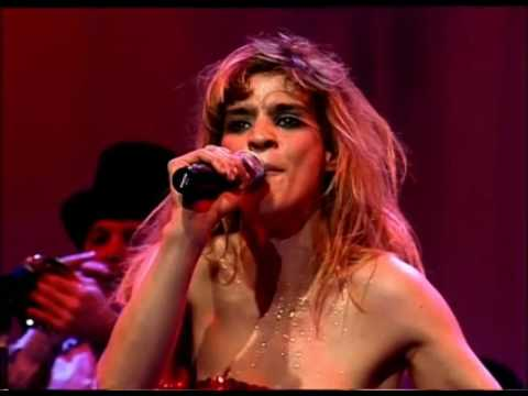Leticia Bredice video Sobrevivir sin amor - CM Vivo 2004