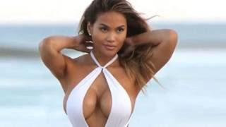 Daphne Joy shows off cleavage and pert bottom in bathing suit