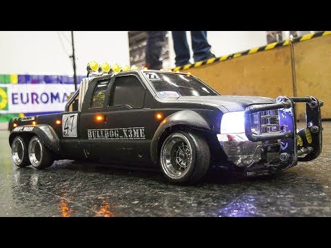 RC DRIFT RACE TRUCK FORD, RC SCALE DRIFT BUS VW IN MOTION!! / Modellbau Messe Wien 2017
