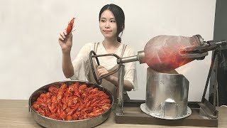 E19 Cooking crayfish with popcorn popper?! Boom!  Sichuan style crayfish at your service | Ms Yeah