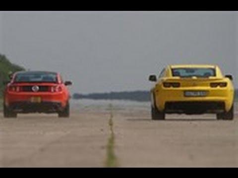 Ford Mustang Boss 302 vs Chevrolet Camaro