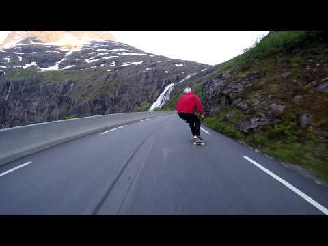 hqdefault - Un impresionante descenso en skate en un puerto de montaña en Noruega