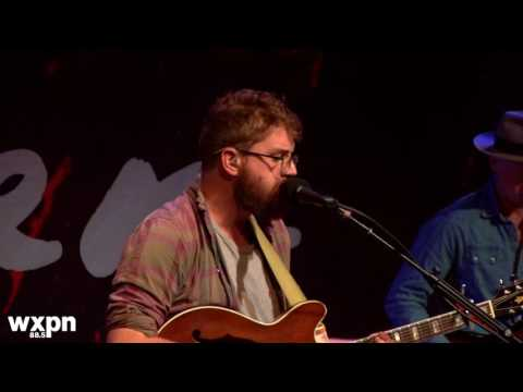"Bear's Den - ""Red Earth and Pouring Rain"" (Free At Noon Concert)"