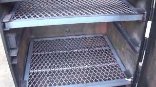 24''x24'' vertical offset smoker by Lone Star Grillz - hmong video