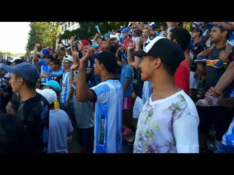 """""""Cerro mi buen amigo"""" Barra: Los Villeros • Club: Cerro"""
