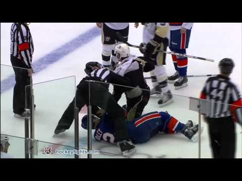Josh Bailey vs. Pascal Dupuis