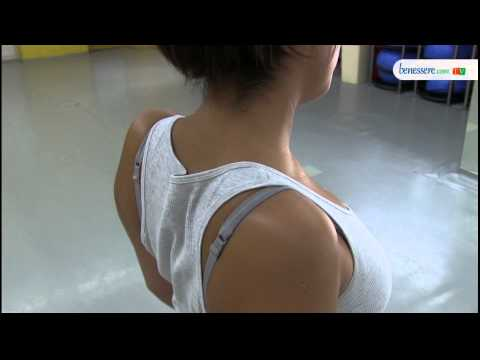 Trascinando dolore alladdome e alla schiena