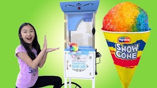 Pretend Play Food Truck Toy with GIANT SNOW CONE