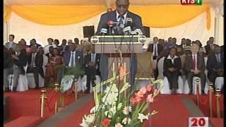 preview picture of video 'Autoroute Dakar-Diamniadio : Inauguration du 1er aout 2013'