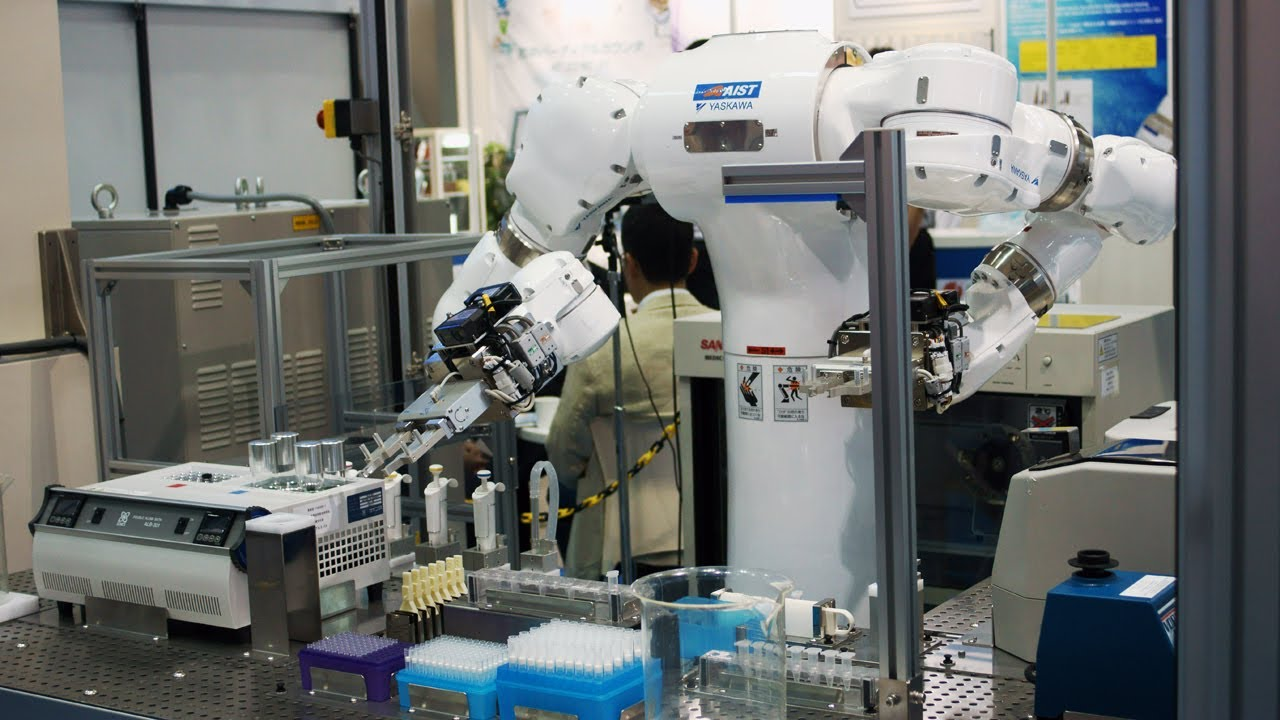 Robo-Scientist Tackles Deadly Lab Work With Perfect Precision