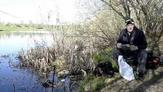 Весенняя ловля рыбы в черте города. Фидер на пруду в Митино.
