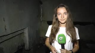На вулиці Тобольській люди скаржаться на прориви труб у підвалі під'їзду