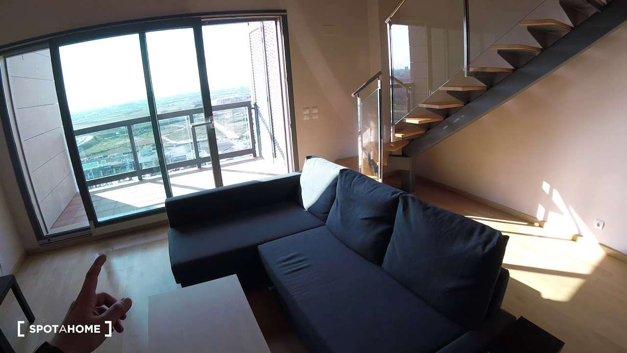 Modern studio apartment with pool access for rent in Burjassot