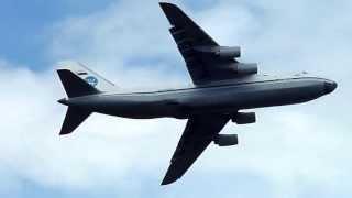 preview picture of video 'ANTONOV AN-124 take off décollage de l'aéroport de Marignane 09/06/2013 France'