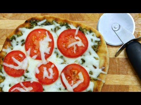How to Make Pizza on the Grill - BBQ Chicken - Green Pizza Recipes