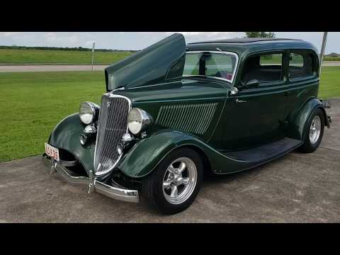 1933 Ford two door