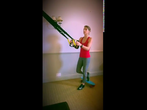 Esercizi per un dorso in palestra con una curvatura di spina dorsale