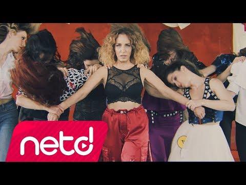 Sertap Erener - Bastırın Kızlar klip izle