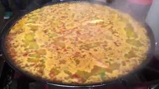 preview picture of video 'Haciendo la paella'
