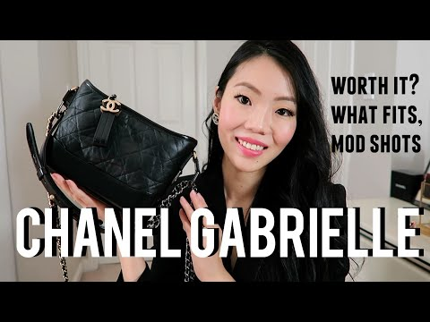 CHANEL GABRIELLE SMALL HOBO BAG: First Impression Review | FashionablyAMY