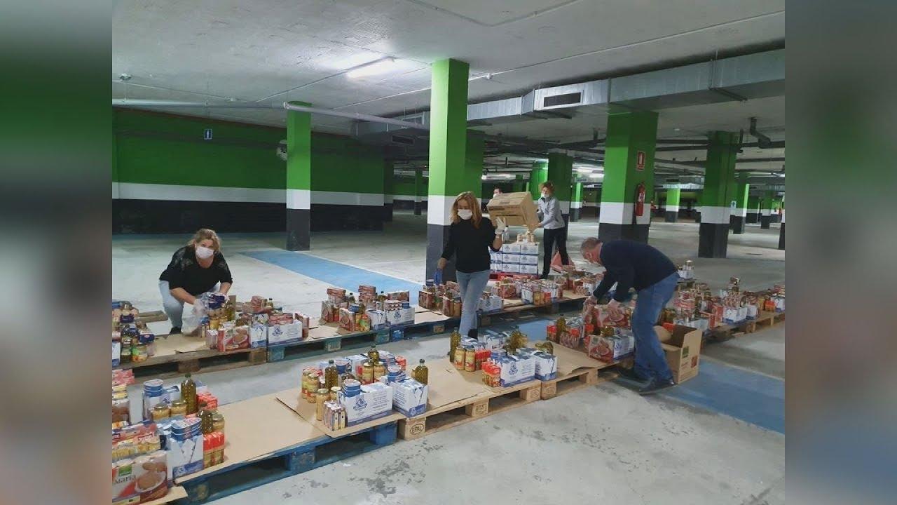 Reparto de alimentos de la Cruz Roja