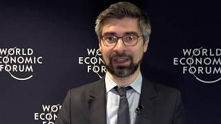 Davos: du dialogue aux engagements Video Preview Image
