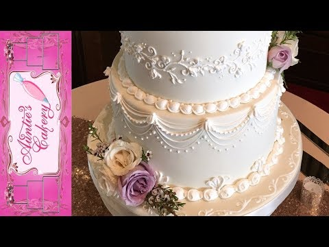 mp4 Cake Decoration At Wedding, download Cake Decoration At Wedding video klip Cake Decoration At Wedding