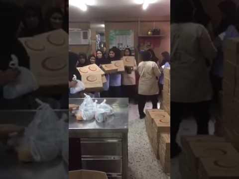 جانب من توزيع وجبات افطار الصائم في جميع مستشفيات الكويت لصالح العمالة المستخدمة بتنفيذ جمعية صندوق