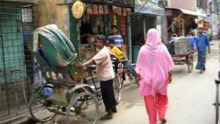 preview picture of video 'Riding a Riksha in Dhaka, Bangladesh'