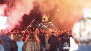 Spelers Heracles als helden onthaald in Almelo na derbyzege op FC Twente | RTV Oost