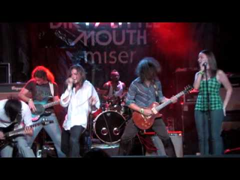 Dirty Little Mouth - Undress Me live at Trees