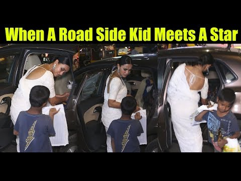 Sayani Gupta Celebrities Behaviour With Road Side Beggar