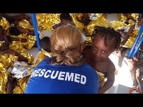 Εκατοντάδες μετανάστες διασώθηκαν στη Μεσόγειο