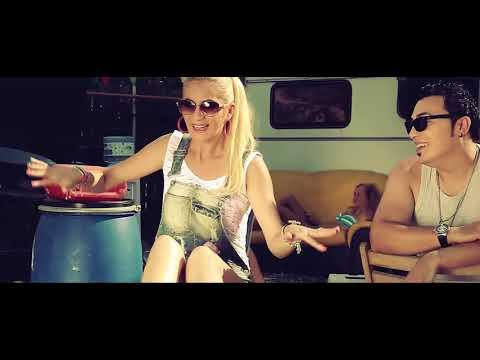 Claudia & Asu – Haide ia-ma de mana Video