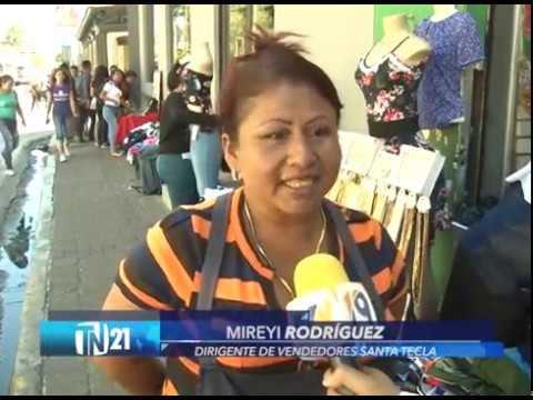 Vendedores de Santa Tecla esperan decisión de comuna sobre dejarlos vender en temporada navideña
