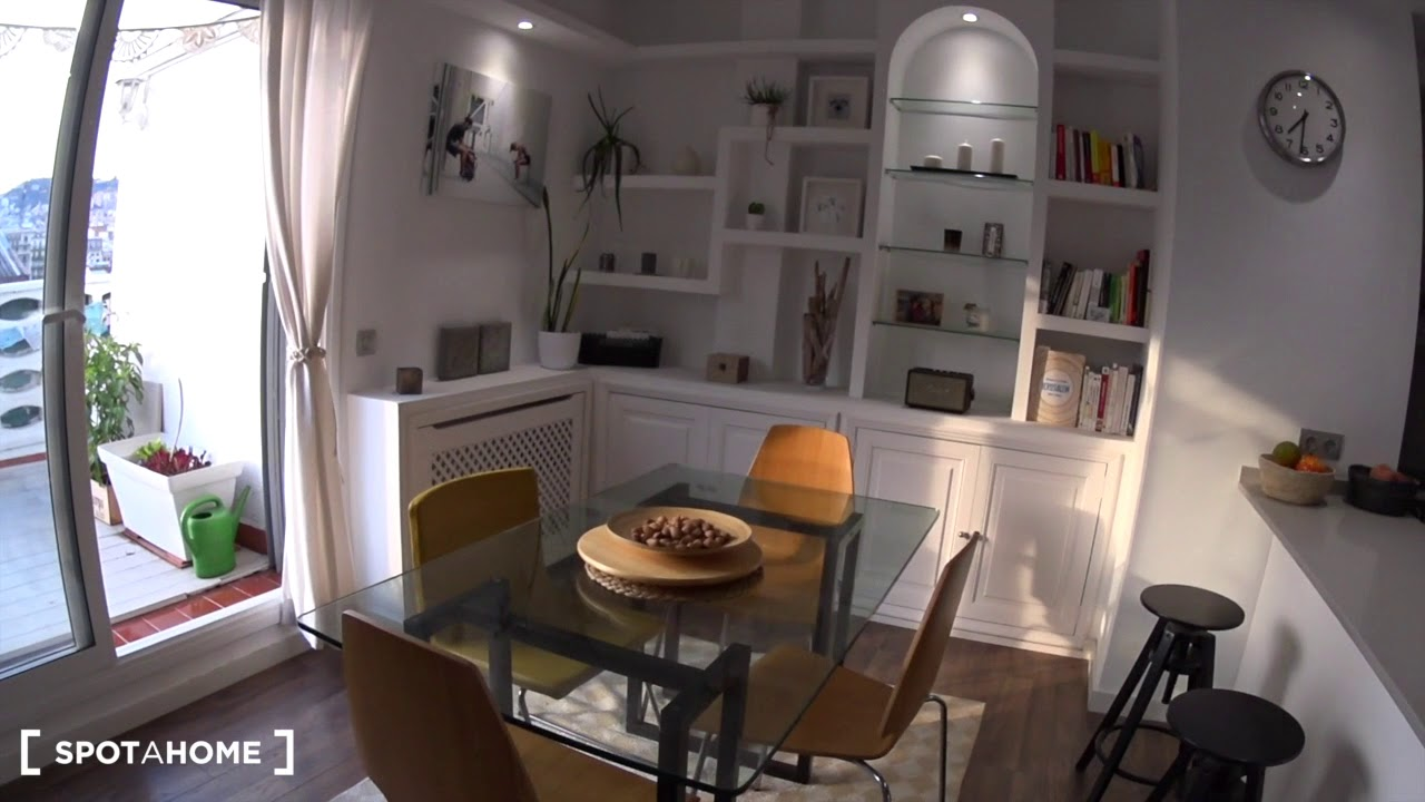 Stylish 1-bedroom apartment for rent in Eixample Dreta