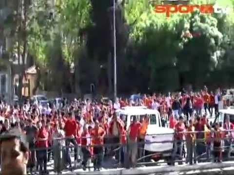 Download Gaziantep karıştı! Büyük olaylar! Gaziantepspor - Galatasaray Maç Öncesi [28.04.2013] HD Mp4 3GP Video and MP3