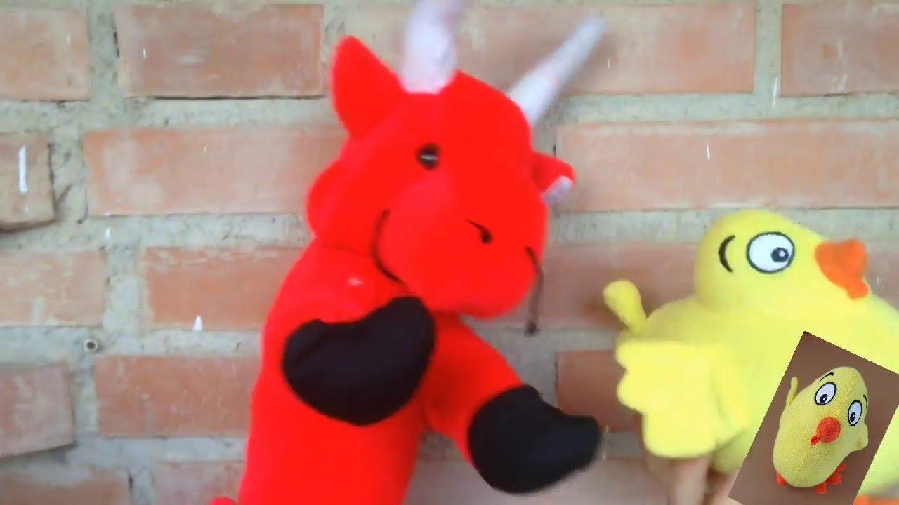 """El Pollo Pepe canta con el Toro Rojo """"Tengo una vaca lechera"""""""