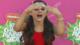 Gambar cover Ariana Grande Worst Moments (Top 10) - Screaming At Paparazzi, Avoiding Fans, Diva Behavior & More
